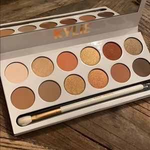 Kylie Cosmetics Makeup - Kylie Eye Palette in Natural colors